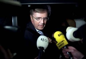 DEN HAAG - MKB-voorzitter Loek Hermans praat dinsdagnacht met de pers na afloop van het overleg in het Catshuis in Den Haag. De top van het kabinet en de sociale partners hebben dinsdag aan het einde van de avond een sociaal akkoord bereikt. ANP PHIL NIJHUIS